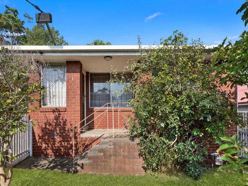 Photo of 1 /98 Ringwood Street RINGWOOD, VIC 3134 Australia