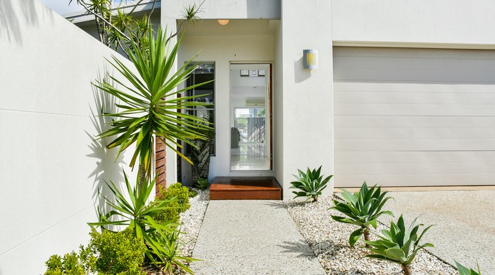 https://assets.boxdice.com.au/realway_caloundra/listings/4304/33527ee1.jpg?crop=720x400