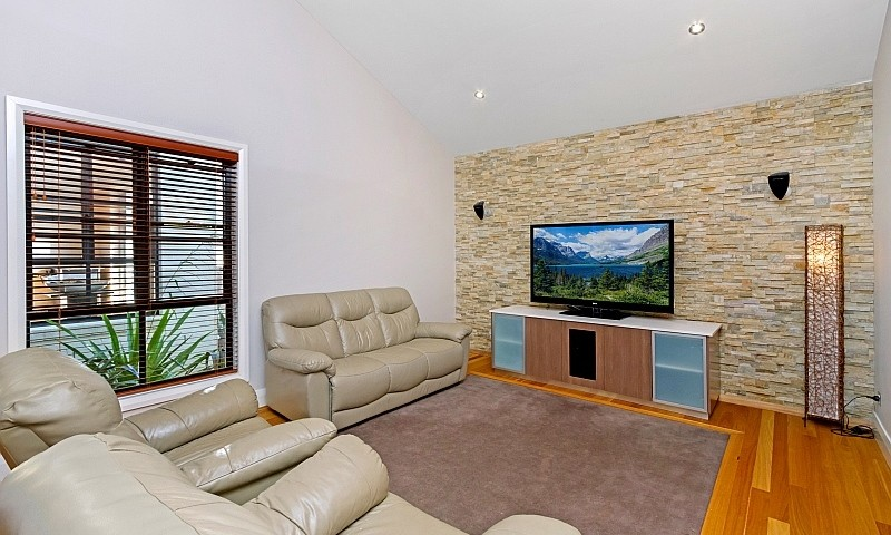 https://assets.boxdice.com.au/residential_hq_central_coast/listings/1/0b089bf1.jpg?crop=800x480