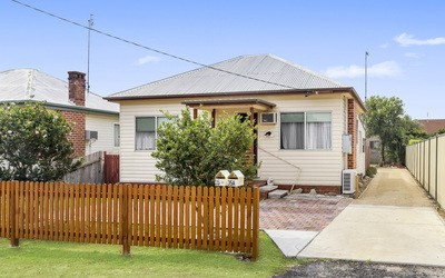 https://assets.boxdice.com.au/residential_hq_central_coast/listings/94/decb6674.jpg?crop=400x250