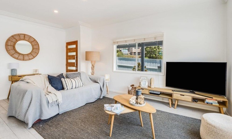 https://assets.boxdice.com.au/residential_hq_central_coast/rental_listings/11/7b6a3727.jpg?crop=800x480