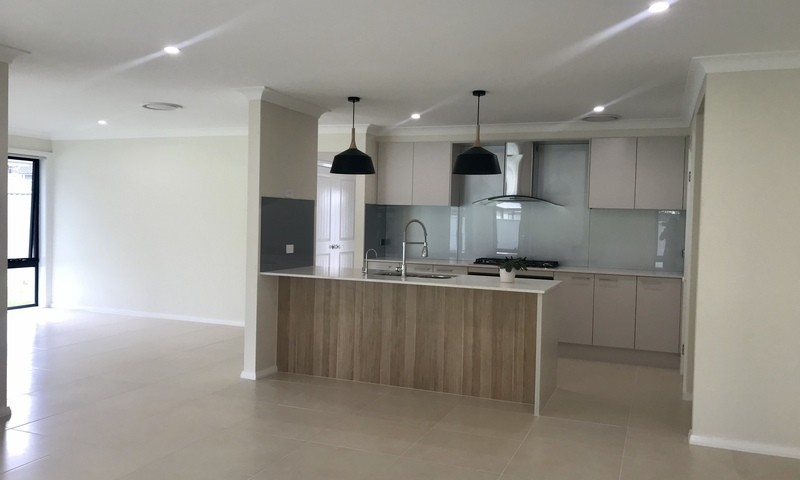 https://assets.boxdice.com.au/residential_hq_central_coast/rental_listings/12/97c53aff.jpg?crop=800x480