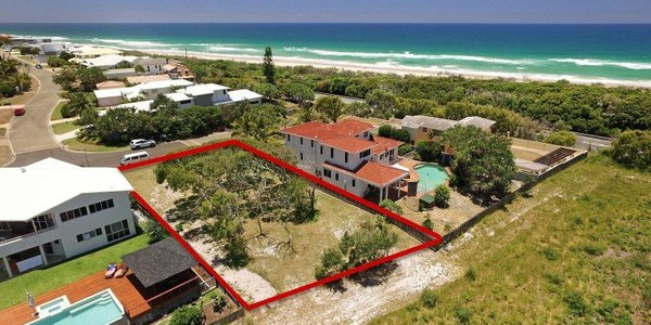 7 Wavecrest Drive, CASTAWAYS BEACH