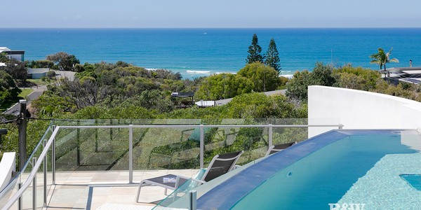2/37 Sobraon Street, SUNRISE BEACH