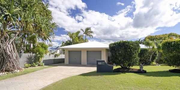 27 Wavecrest Drive, CASTAWAYS BEACH