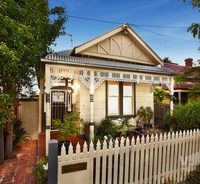 https://assets.boxdice.com.au/village_real_estate/listings/2465/75b2b876.jpg?crop=288x266