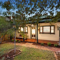https://assets.boxdice.com.au/village_real_estate/listings/2559/635f1ce0.jpg?crop=200x200