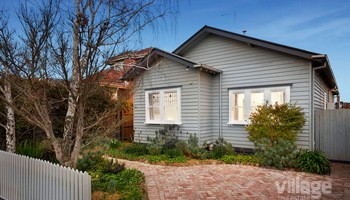 https://assets.boxdice.com.au/village_real_estate/listings/2580/63c7c067.jpg?crop=350x200
