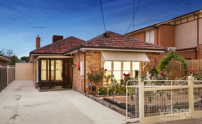 https://assets.boxdice.com.au/village_real_estate/listings/2704/69f960b3.jpg?crop=650x400