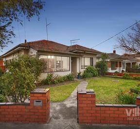 https://assets.boxdice.com.au/village_real_estate/listings/2889/07d9a88c.jpg?crop=288x266