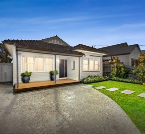 https://assets.boxdice.com.au/village_real_estate/listings/3245/82c43b67.jpg?crop=288x266