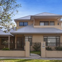 https://assets.boxdice.com.au/village_real_estate/rental_listings/1051/843fdb57.jpg?crop=200x200