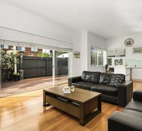 https://assets.boxdice.com.au/village_real_estate/rental_listings/1061/07918395.jpg?crop=288x266