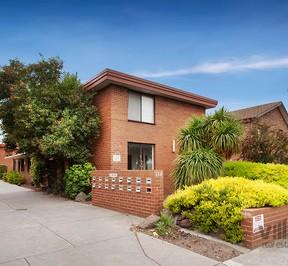 https://assets.boxdice.com.au/village_real_estate/rental_listings/1133/bce6b918.jpg?crop=288x266