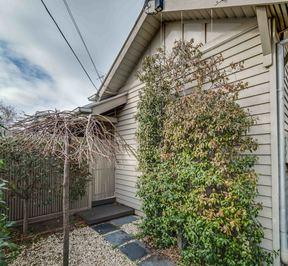 https://assets.boxdice.com.au/village_real_estate/rental_listings/1185/12e68d9c.jpg?crop=288x266