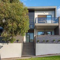 https://assets.boxdice.com.au/village_real_estate/rental_listings/1262/bb657bb0.jpg?crop=200x200