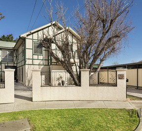 https://assets.boxdice.com.au/village_real_estate/rental_listings/696/c873f9c6.jpg?crop=288x266