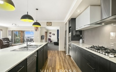 https://assets.boxdice.com.au/villarosa_re/listings/41/b1572509.jpg?crop=400x250