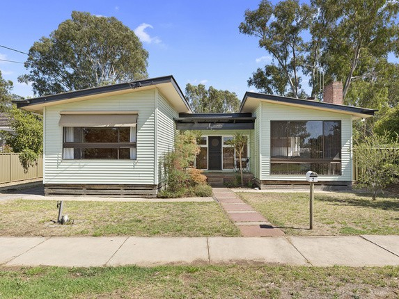 https://assets.boxdice.com.au/webster_re_bendigo/listings/403/415850df.jpg?fit=630x430