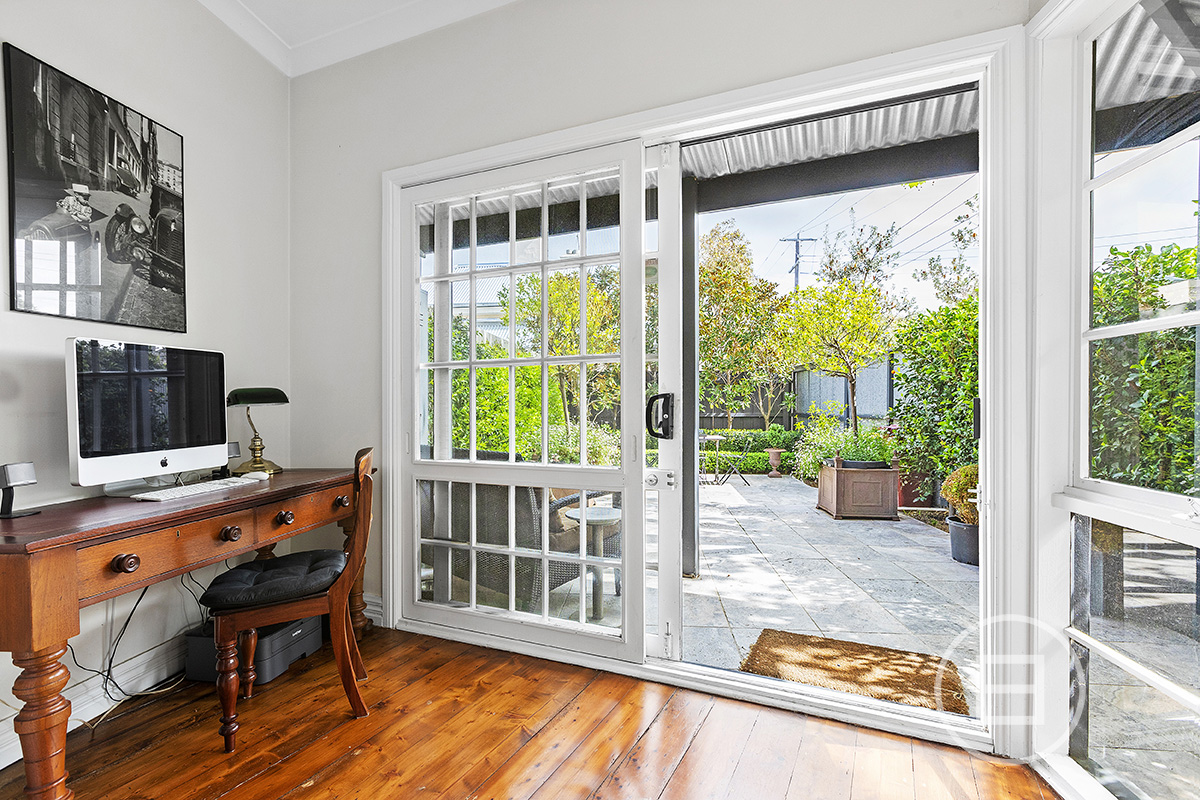 42 Canterbury Road, MIDDLE PARK 3206