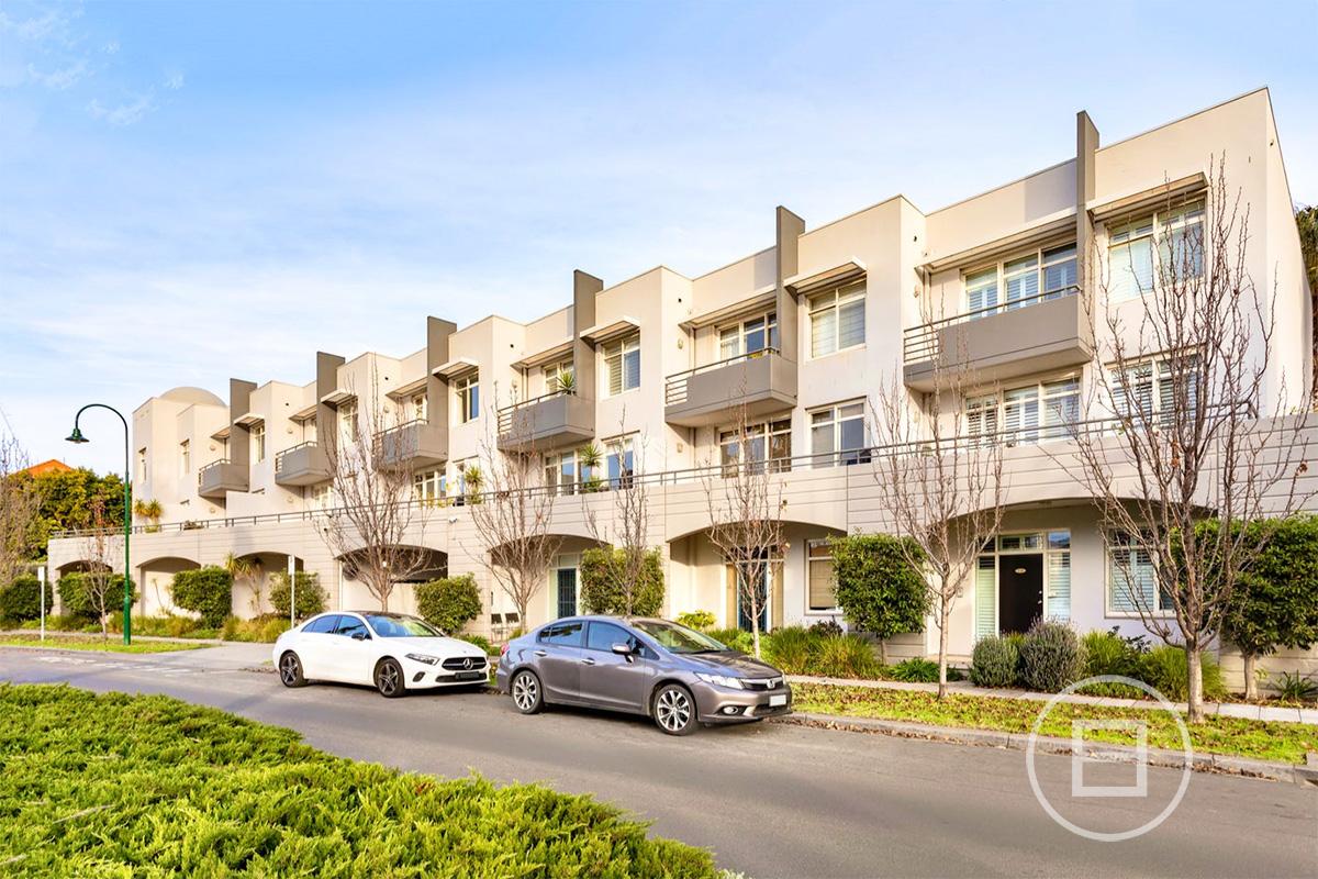 9/105 Beach Street, PORT MELBOURNE 3207