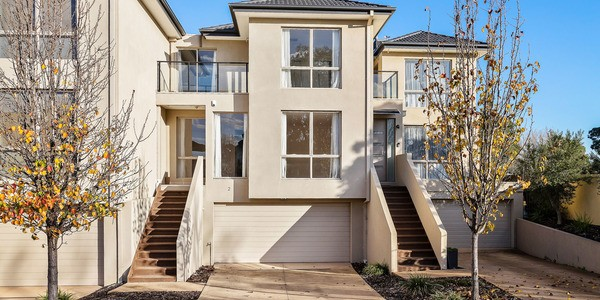 2/1-9 Eagleview Place